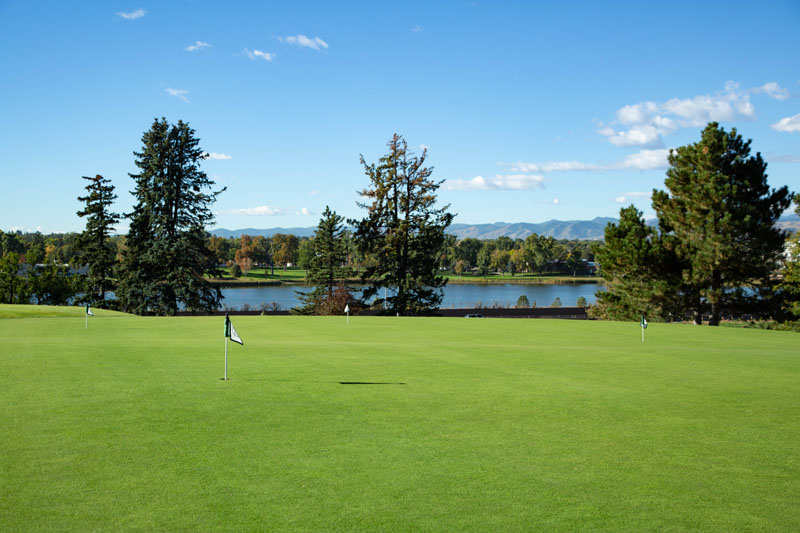 putting green facing sloans lake at Willis Case